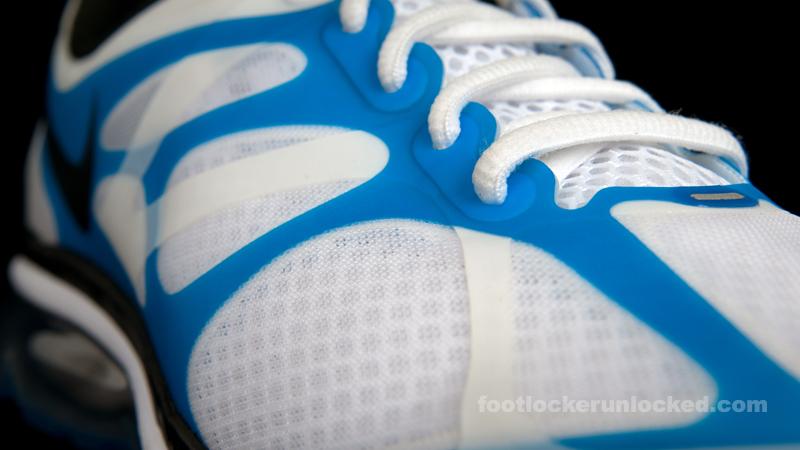 Nike-air-max-2012-wht-blue-fl-12