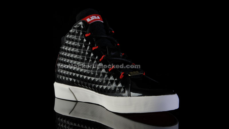 Foot_locker_unlocked_nike_lebron_12_nsw_black_red_4