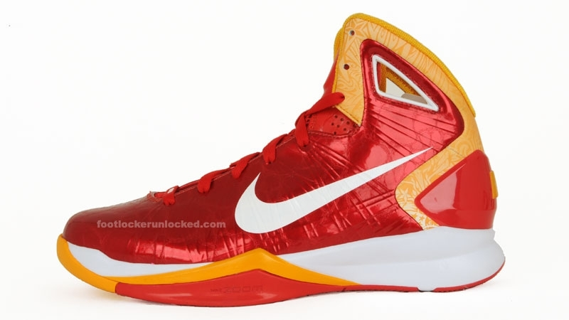 Large_hyperdunk_2010_comet_red