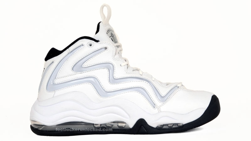 Nike_pippen_whtblackmts__2_